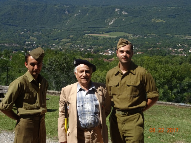 Chocs parachutés , libération Pont de Claix , Grenoble Août 1944 840052DSC01274min