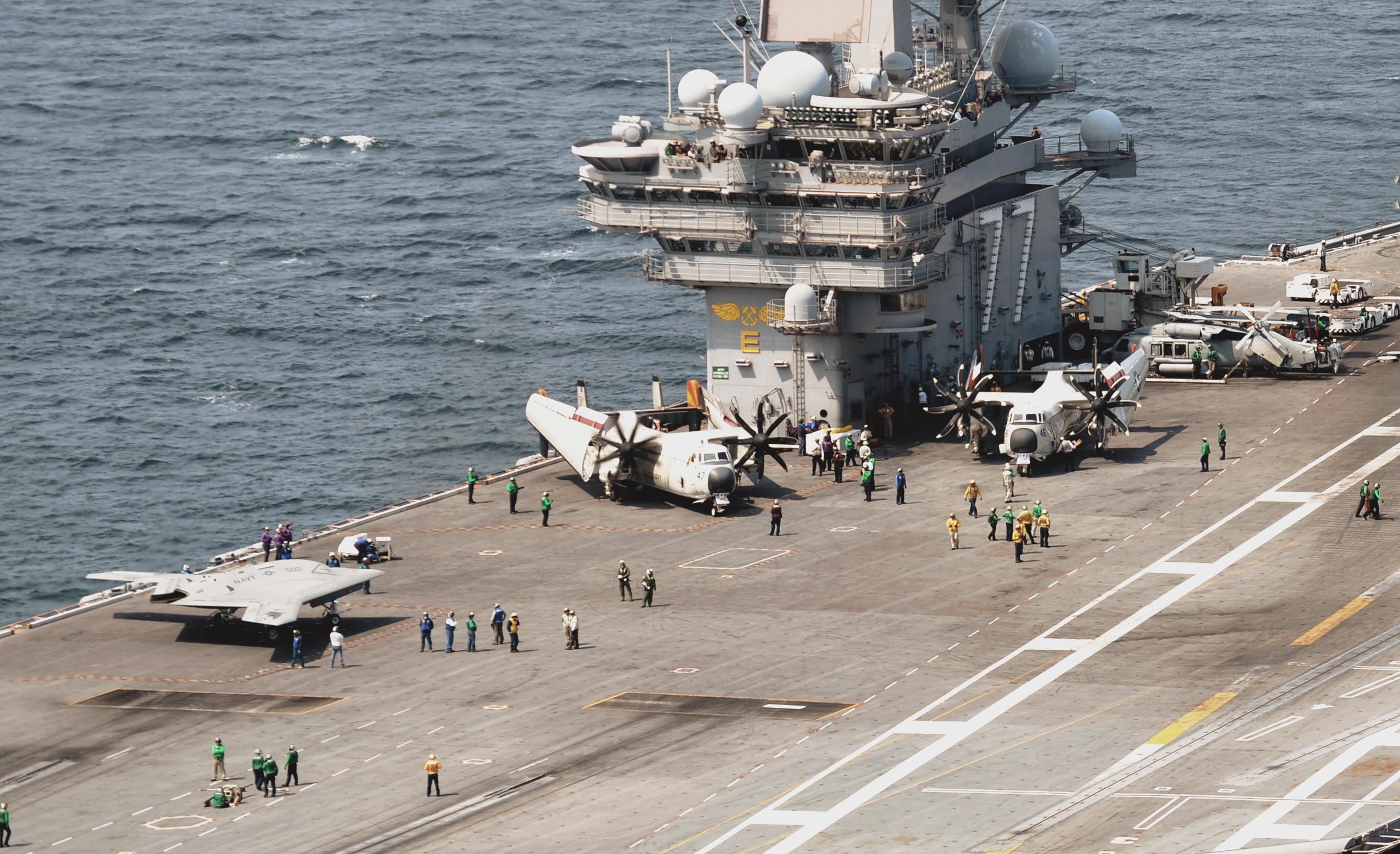USS George H.W. Bush CVN 77 au 1/700 843418CVN77130710DSC5434b