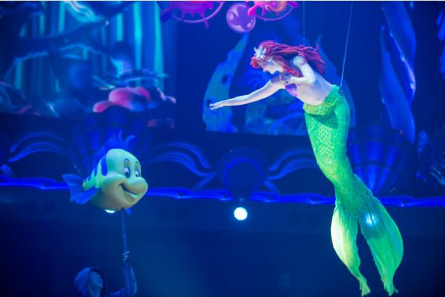 [Tokyo DisneySea] Nouveau spectacle : King Triton's Concert (24 avril 2015) - Page 2 845145tri2