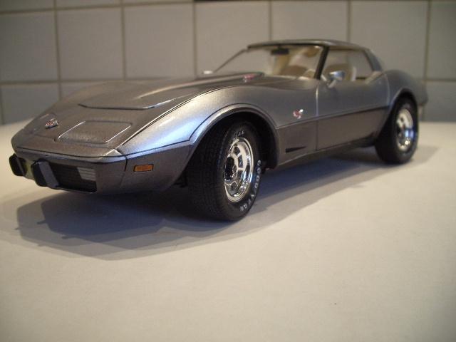 chevrolet corvette 25 th anniversary de 1978 au 1/16 - Page 2 845301IMGP8925