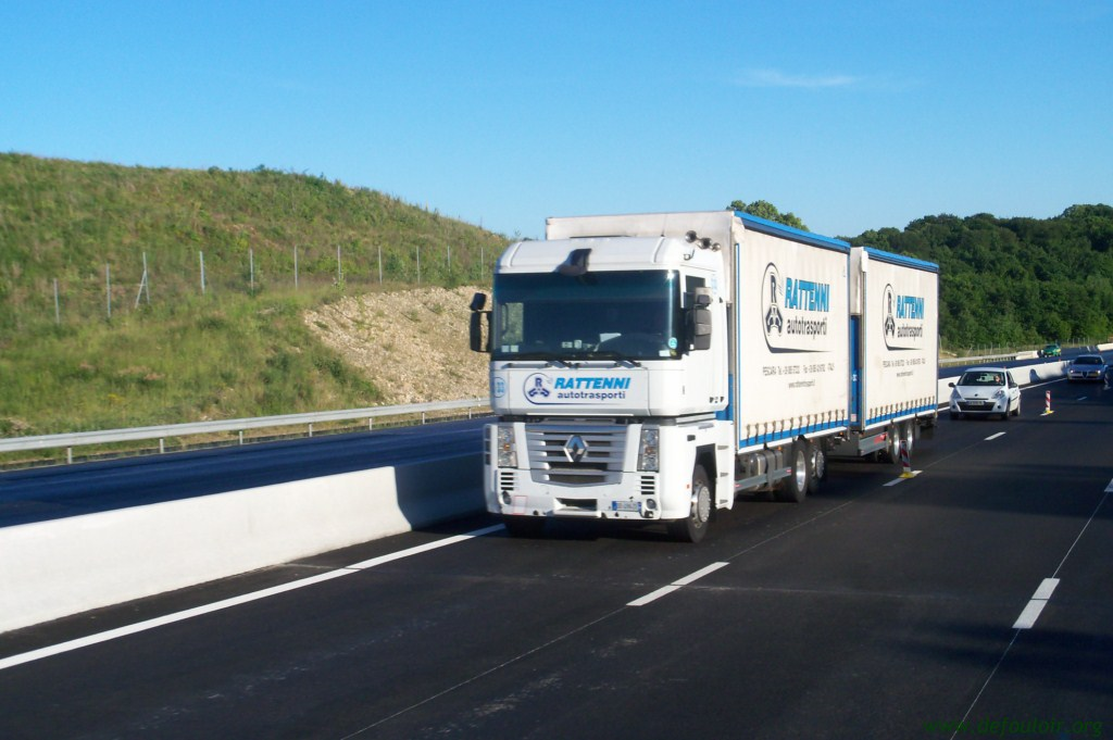 Rattenni Autotrasporti (Pescara) 846489photoscamions25V11173Copier