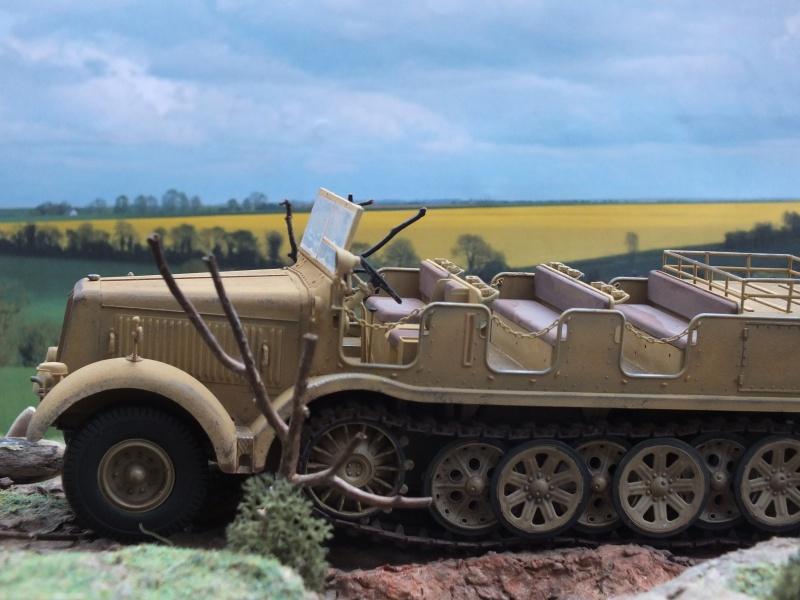 Sd.Kfz.8 Schwerer Zugkraftwagen 12 ton (Trumpeter 1/35) (DÉBUT DE PEINTURE) - Page 3 847587DSCF6417