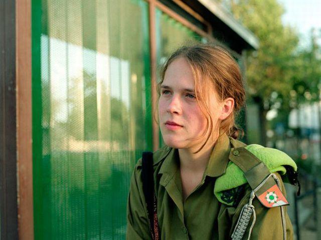 Armée Israélienne 848841israeli_military_girls_640_40