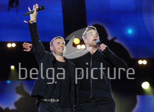 Robbie et Gary au concert Heroes 12-09/2010 85006722291629
