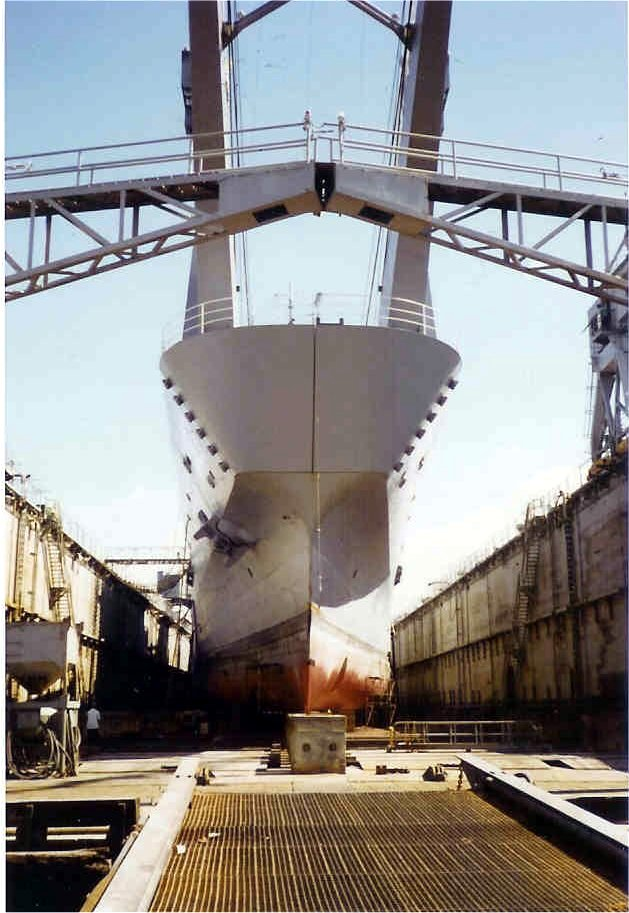 LANDING SHIP TANK (LST) CLASSE NEWPORT  850193USSTuscaloosaaubassin