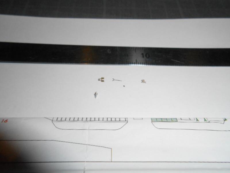 Saratoga tamiya 1/700 PE+Pont en bois par lionel45 - Page 10 851934sar007