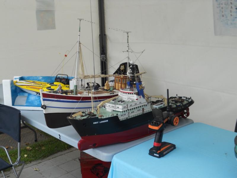 démo de maquettes navigantes sur la place Napoléon à la Roche S/Yon le 31 Mai et le 1er Juin 858024DSCN4030