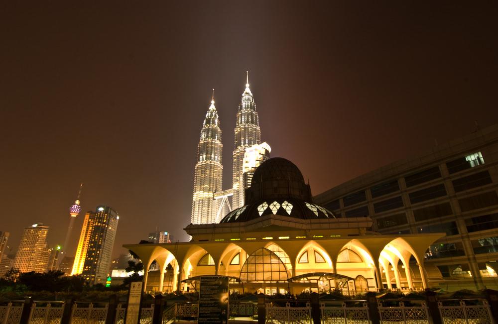 أشهر وأجمل المساجد في ماليزيا  8627021605158715801583157516041588157516031585161016061603160815751604157516041605157616081585