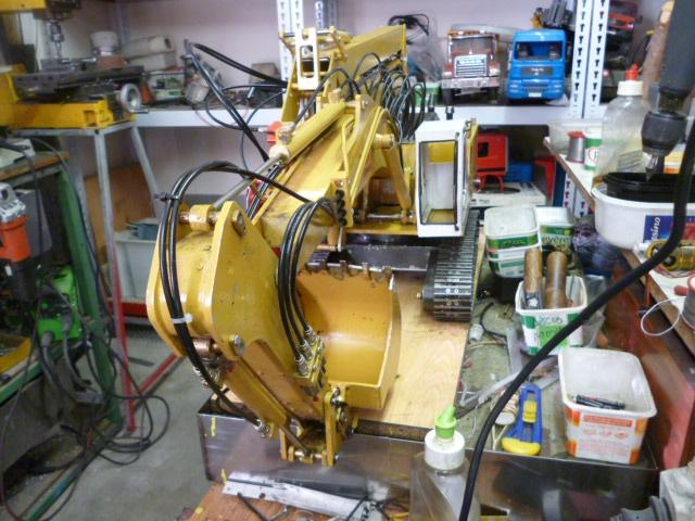 pelles électro hydrauliques LIEBHERR 964 B - Page 10 865741P1030562
