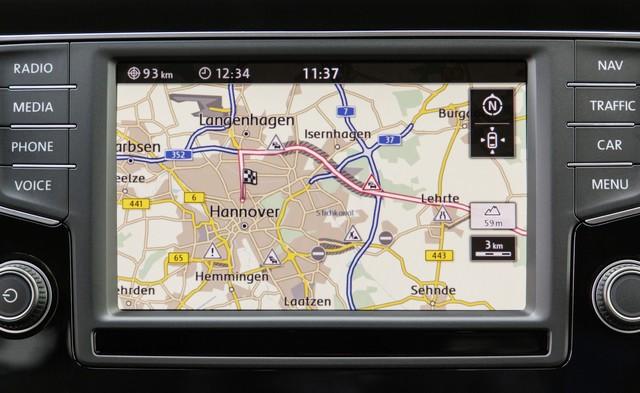 Un système de navigation intelligent : « Regular Routes » rend la conduite plus reposante  866893hddb2016au00576large