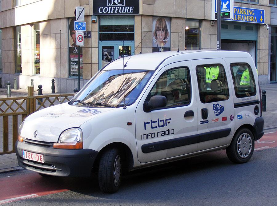 """Bruxelles côté BD  """"Tintin en automobile"""" - Page 3 877343DSCF6103"""