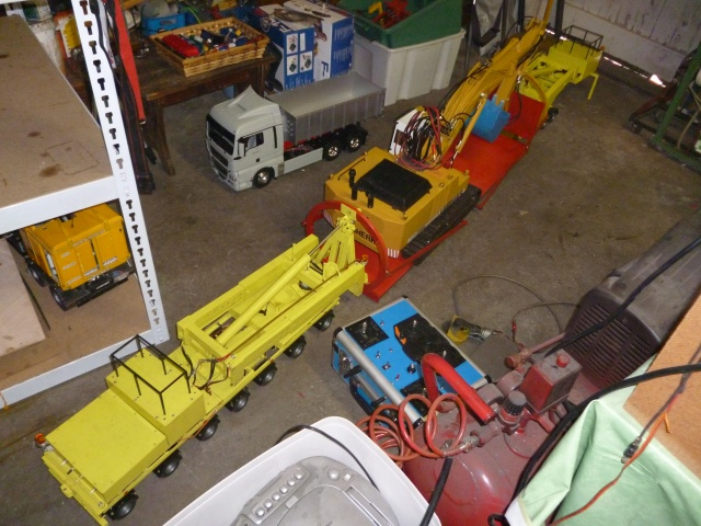 En préparation d'éxposition axée sur les camions et engins de TP à St Rambert d' Albon 38000. 877938transportpellenooteboom007
