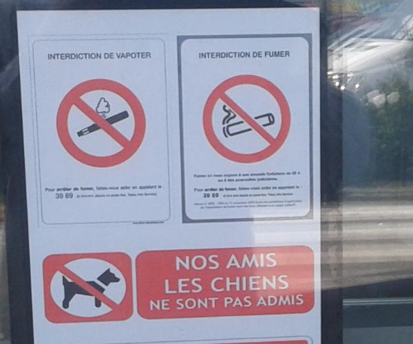 """[SONDAGE] Avez vous déjà vu ces petits panneaux """"Interdiction de vapoter"""" ?  878409Vapoteinterdite01"""