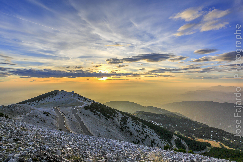 Le couché du soleil sur Le Mont Ventoux avec traitement HDR Naturel 880918Ventouxcouchdesoleil2