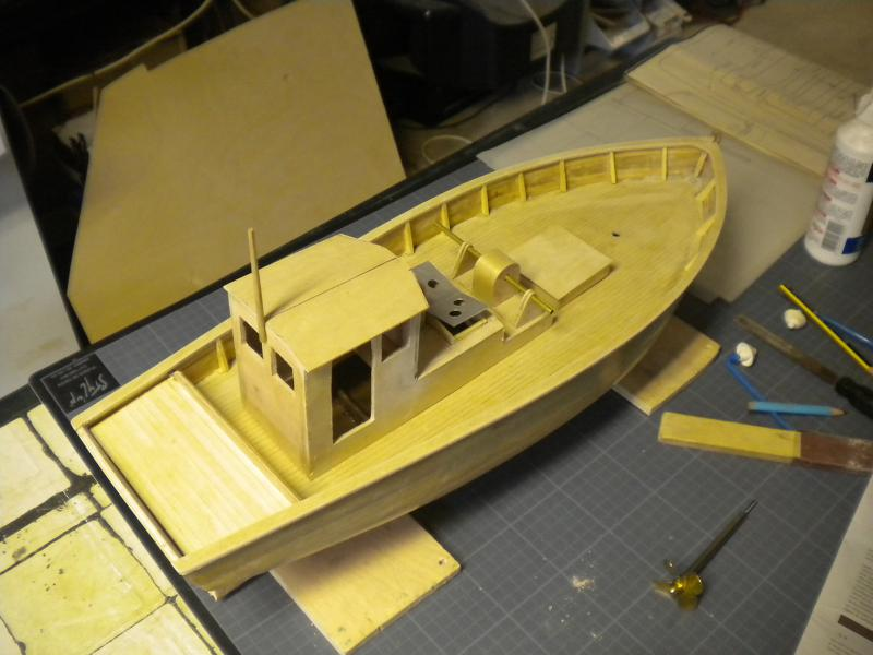 barque chalutiére au 1/20è d'après plans - Page 5 882424DSCN2224