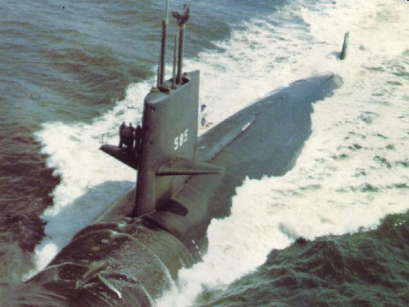 SOUS MARIN NUCLEAIRE D'ATTAQUE HMS DREADNOUGHT 885366USS_Skipjack