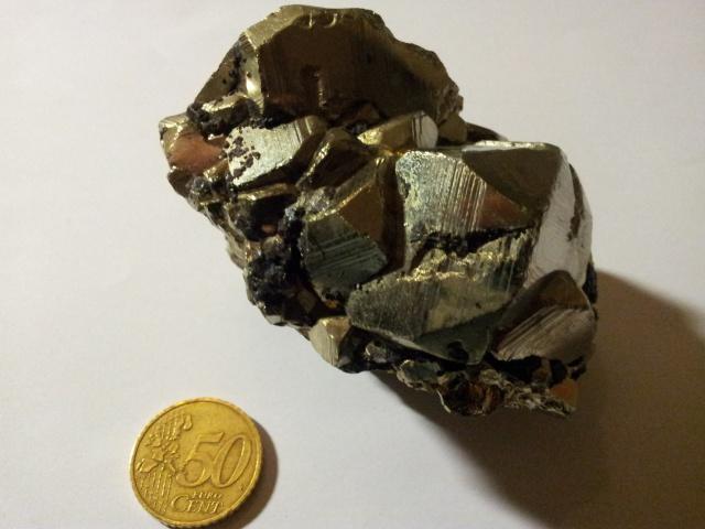 [Partage] Ma petite collection de cristaux. 885859Pyrite02