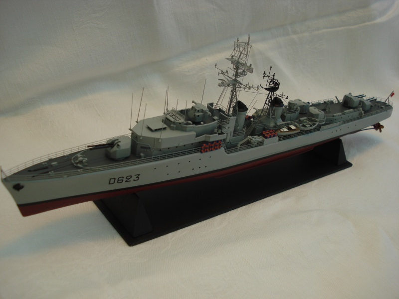 Escorteur d'escadre Cassard 1/400e L'Arsenal. 891824DSC04787