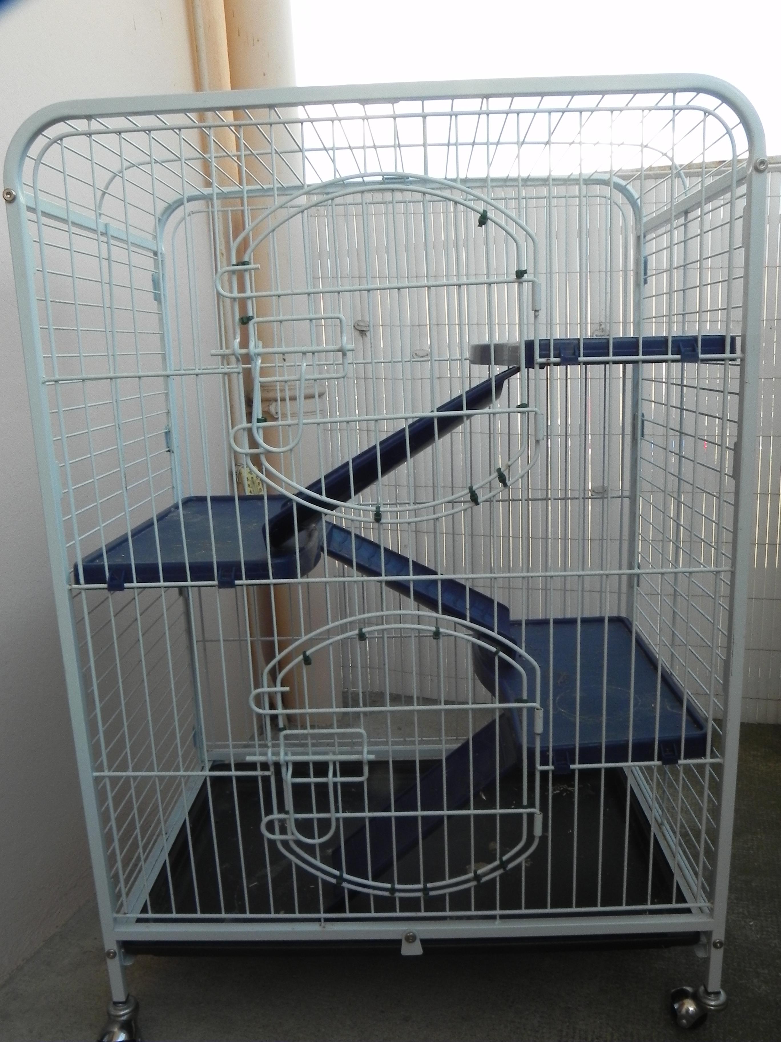 Vends Cage Tower (89) 892792DSCN1667