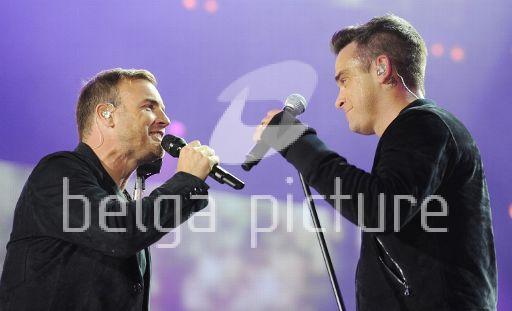 Robbie et Gary au concert Heroes 12-09/2010 89470422294049