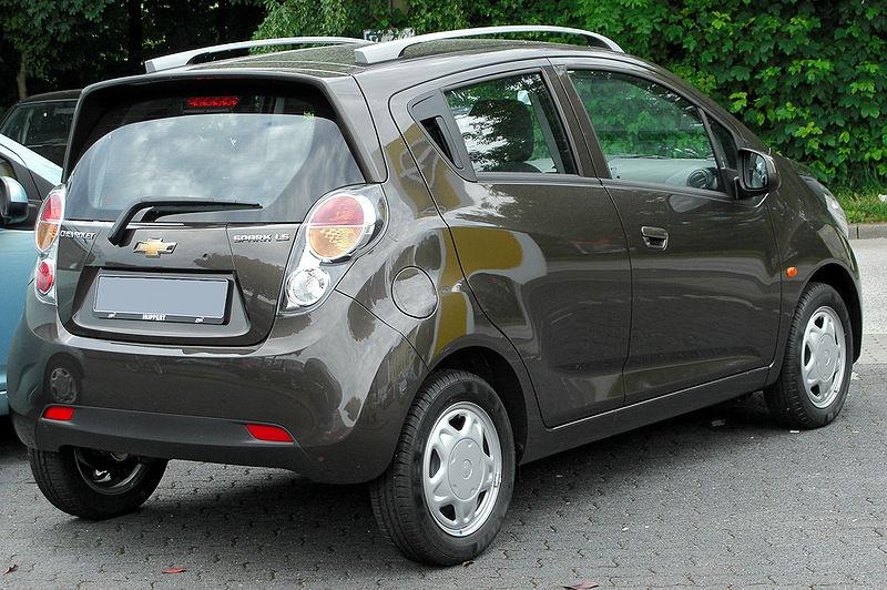 Le topic des voitures moches ^^ - Page 2 904473800pxChevroletSpark12LSrear20100606