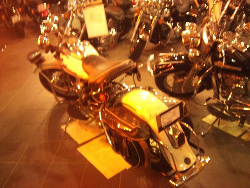 Les vieilles Harley....(ante 84)..... - Page 39 906587DSC0017