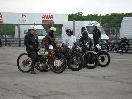 Les vieilles Harley....(ante 84)..... - Page 6 91041936186242p