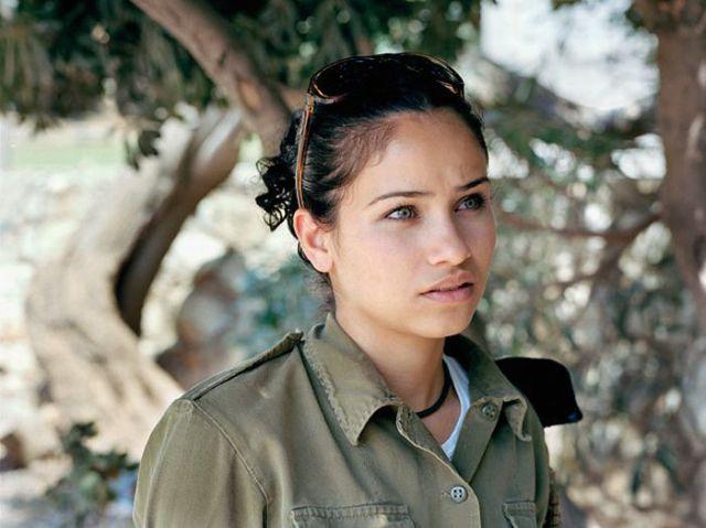 Armée Israélienne 910661israeli_military_girls_o00ap_640_67
