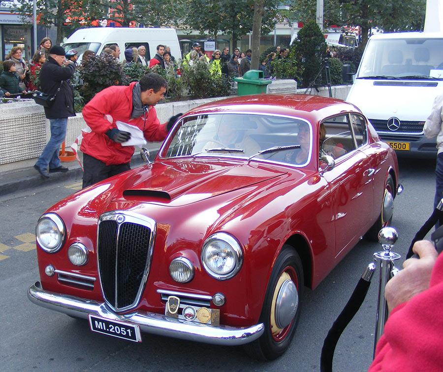 """Bruxelles côté BD  """"Tintin en automobile"""" 911896DSCF6145"""