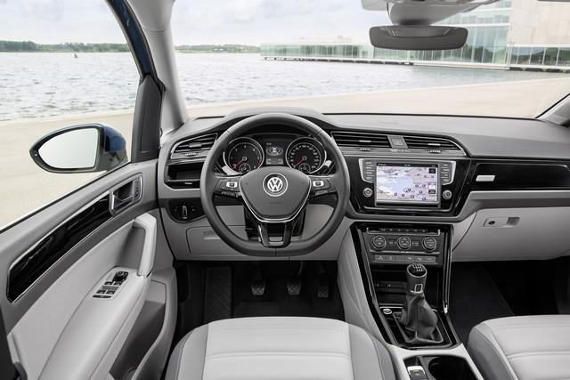 Le nouveau Touran obtient la note maximale de 5 étoiles Euro NCAP 914723thddb2015au01093large