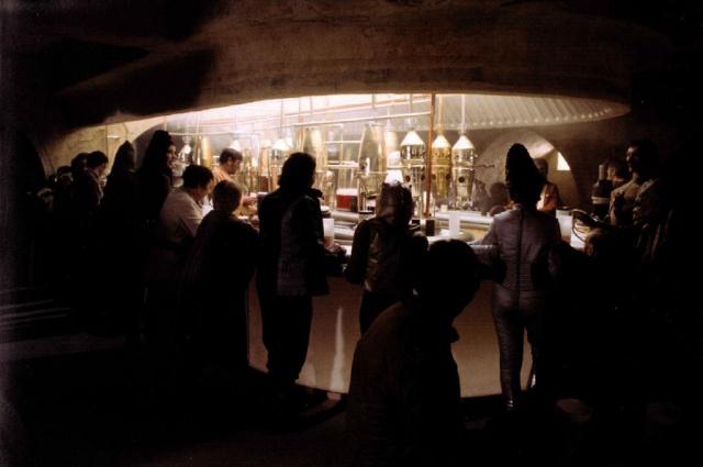 [Lucasfilm] Star Wars - les six premiers films (1977-2005) - Page 3 914834swlon18
