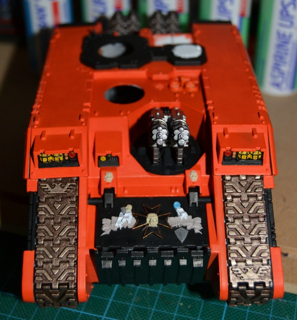 [CDA Armour] Nalhutta : Land Raider Crusader Blazing templars. 916171016