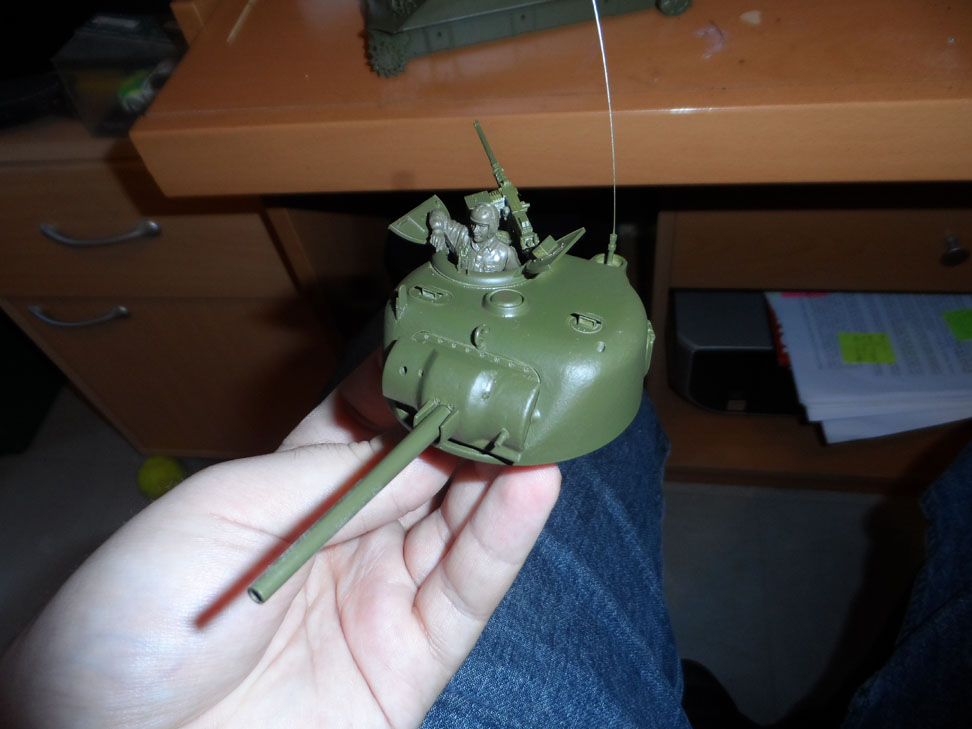 M4 Sherman late production Tamiya 1/35 - Page 2 921738SAM0390