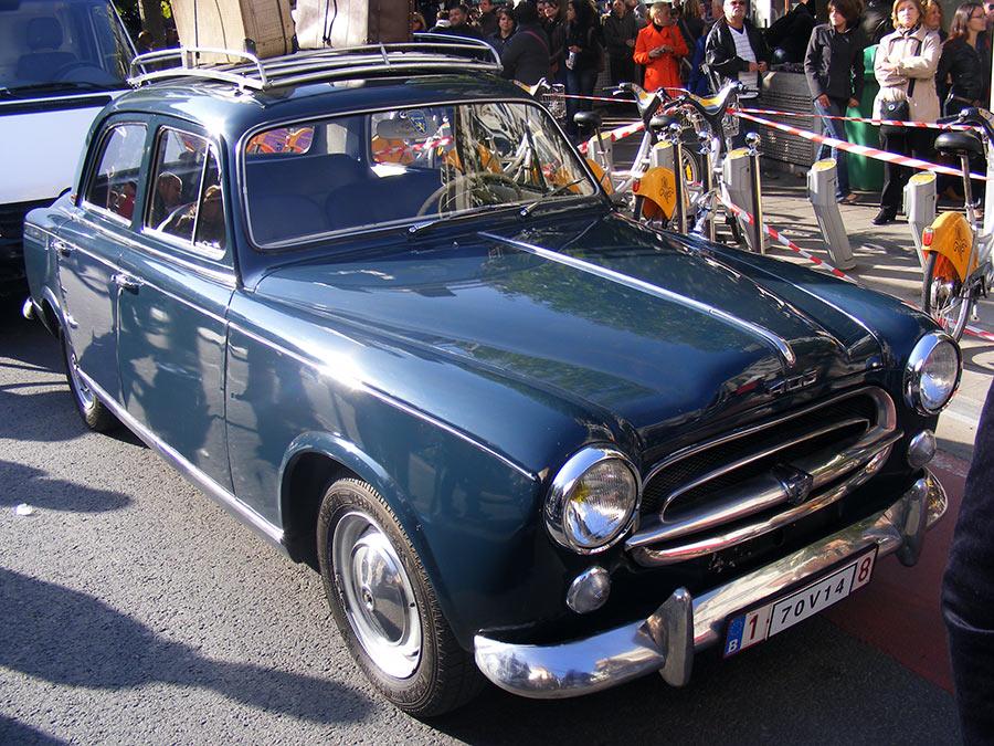 """Bruxelles côté BD  """"Tintin en automobile"""" - Page 2 924810DSCF6273"""