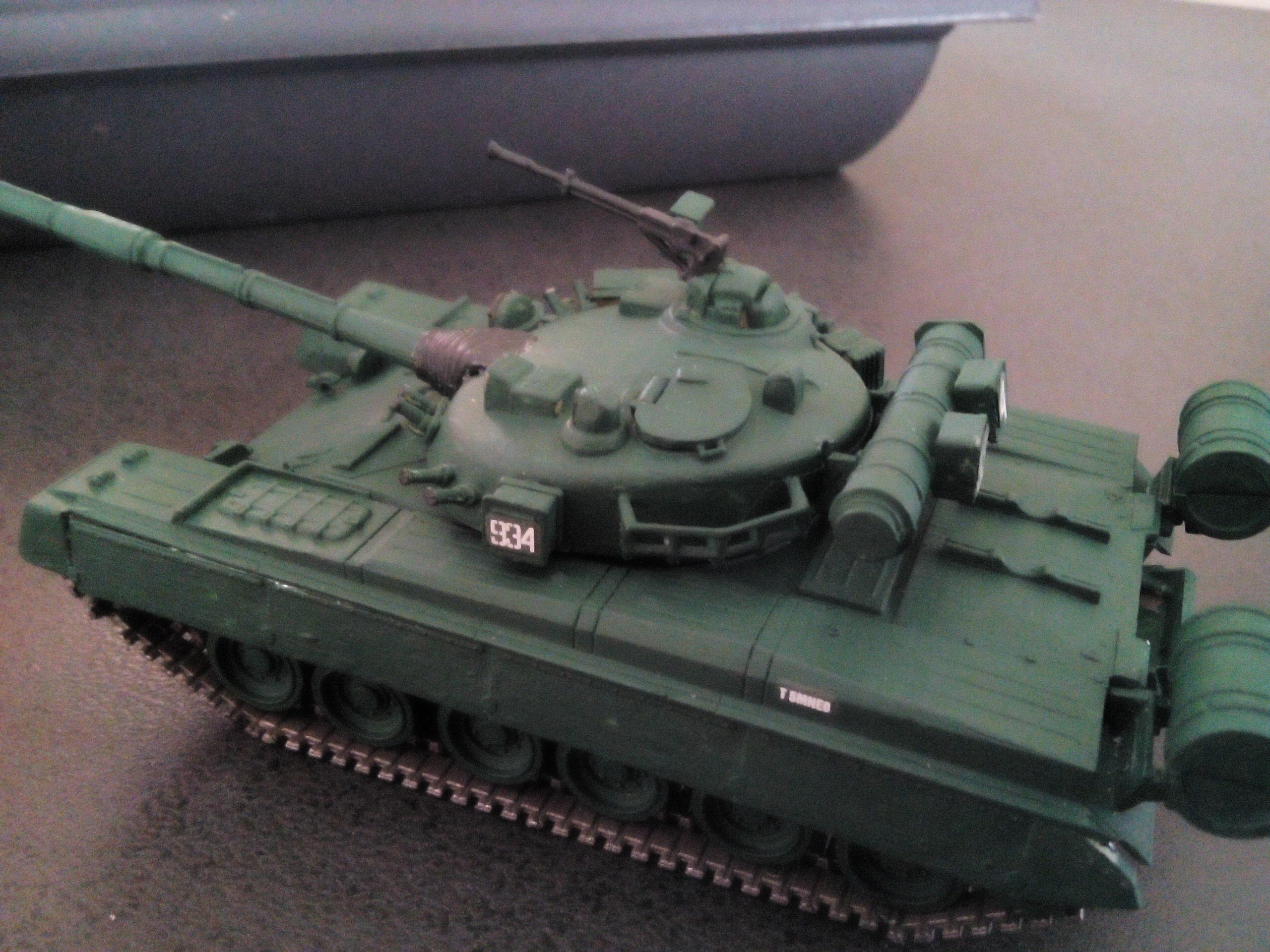Char soviétique T-80B au 1/72 927075IMG20160322160330