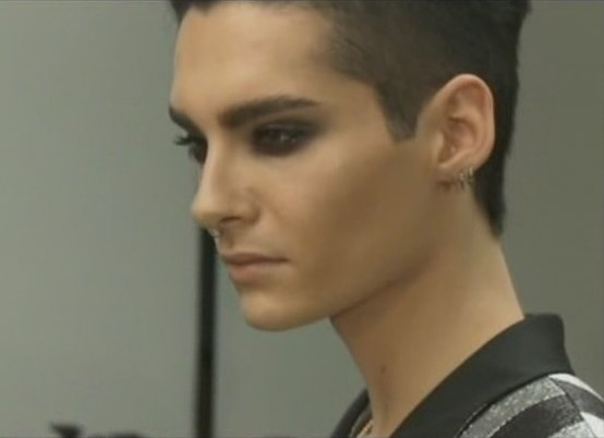 [Net/Italie/Février 2012](gingergeneration.it) - Bill Kaulitz collabora con i Far East Movement 93254747b1
