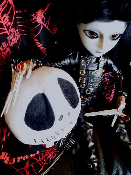 Akemi [Sebastian] & Wally [Edward Scissorhands] 936207DSC04386