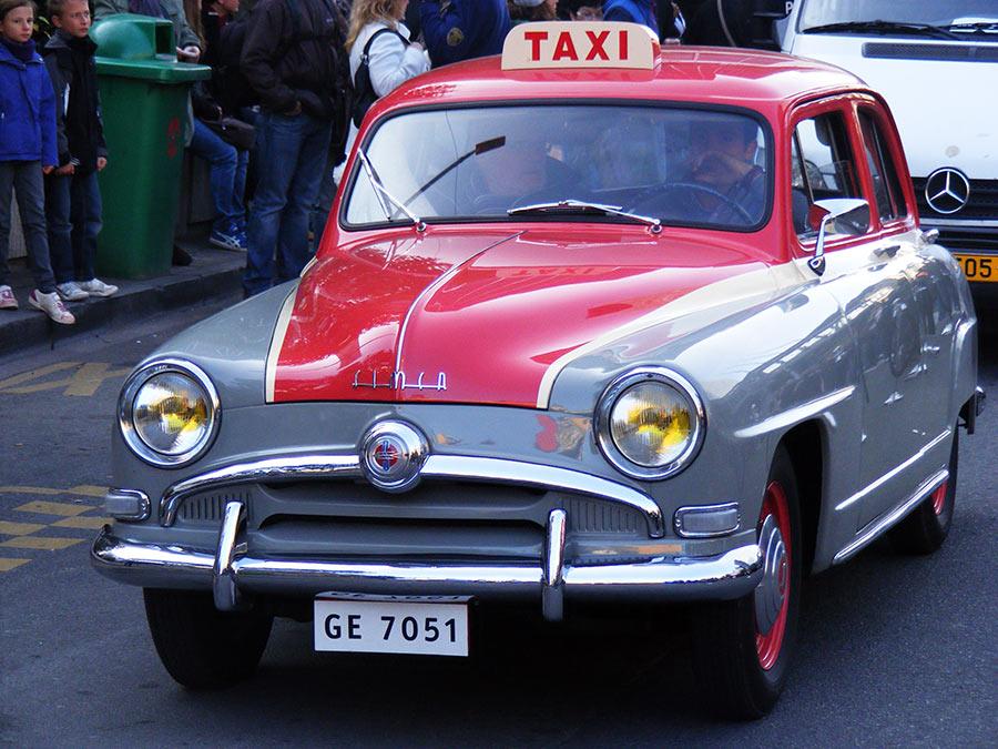 """Bruxelles côté BD  """"Tintin en automobile"""" 938408DSCF6153"""
