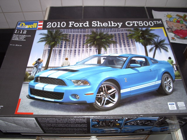 Ford Mustang SHELBY GT 500  2010 de chez revell au 1/12 - Page 2 94020179m2