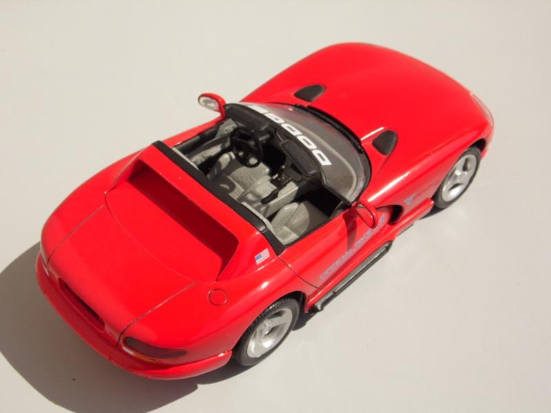 Dodge Viper RT10 et GTS. 940418SAM5015