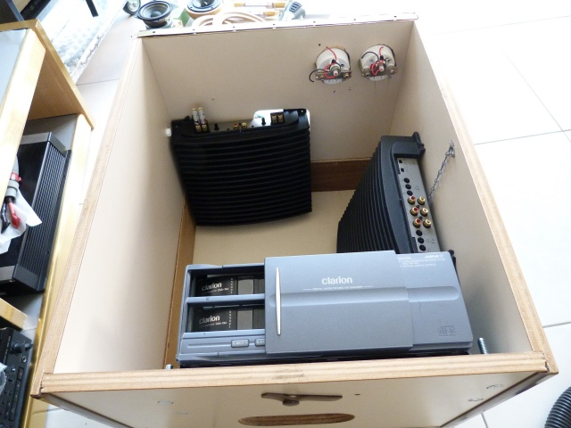 VW T3 Westfalia 1982, ensemble Clarion, montage et installation mise à jour du 19/08 - Page 2 948226P1050446