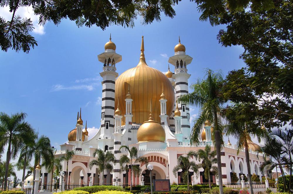 أشهر وأجمل المساجد في ماليزيا  948809160515871580158315751604159315761608158316101577160316081575160415751603157516061580158715751585