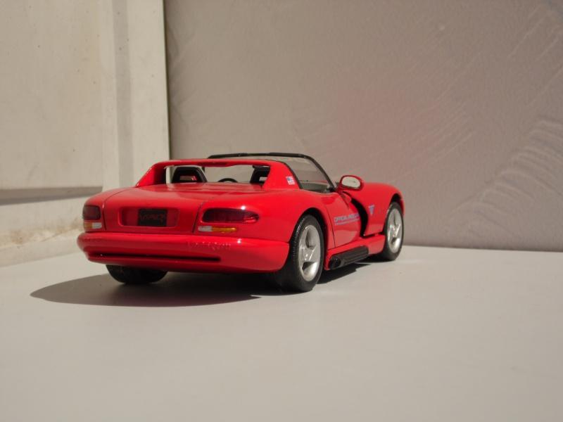 Dodge Viper RT10 et GTS. 949317SAM5012