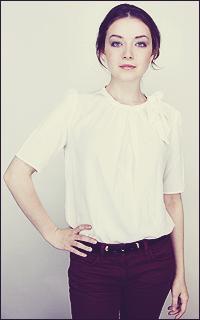 [S]Elisya M. Jones - Capitole * AU CHOIX ft Sarah Bolger 952358av8