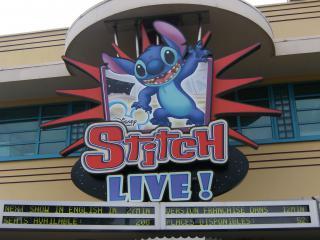 [17 Août 2010] Les 2 parcs Disney ! Ouverture d'RC Racer et Crush avec 0 minutes d'attentes à 18h ! 957645Stitch_Live