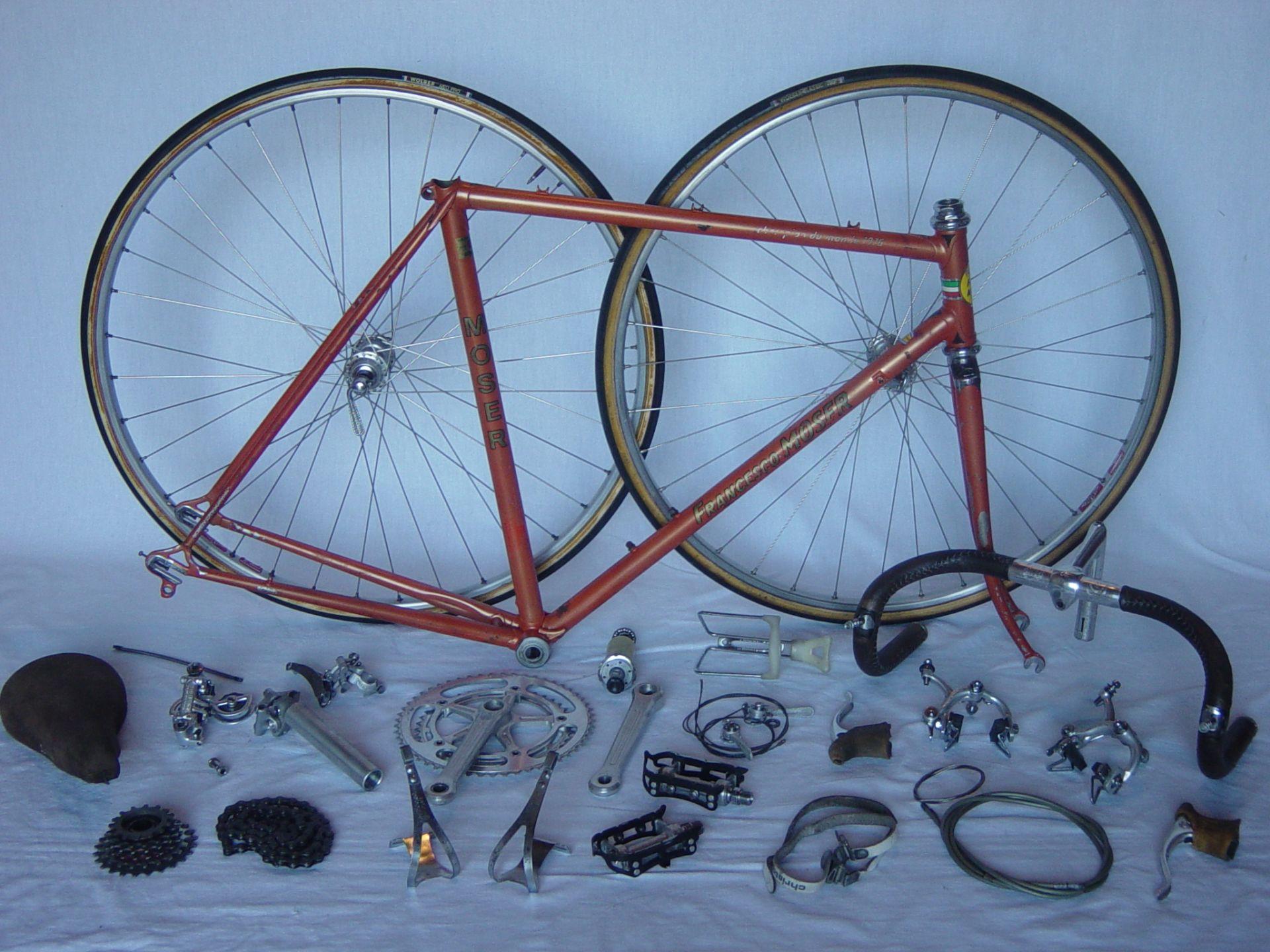 Vélo de course MOSER 1976 960900vloenpicesdtaches