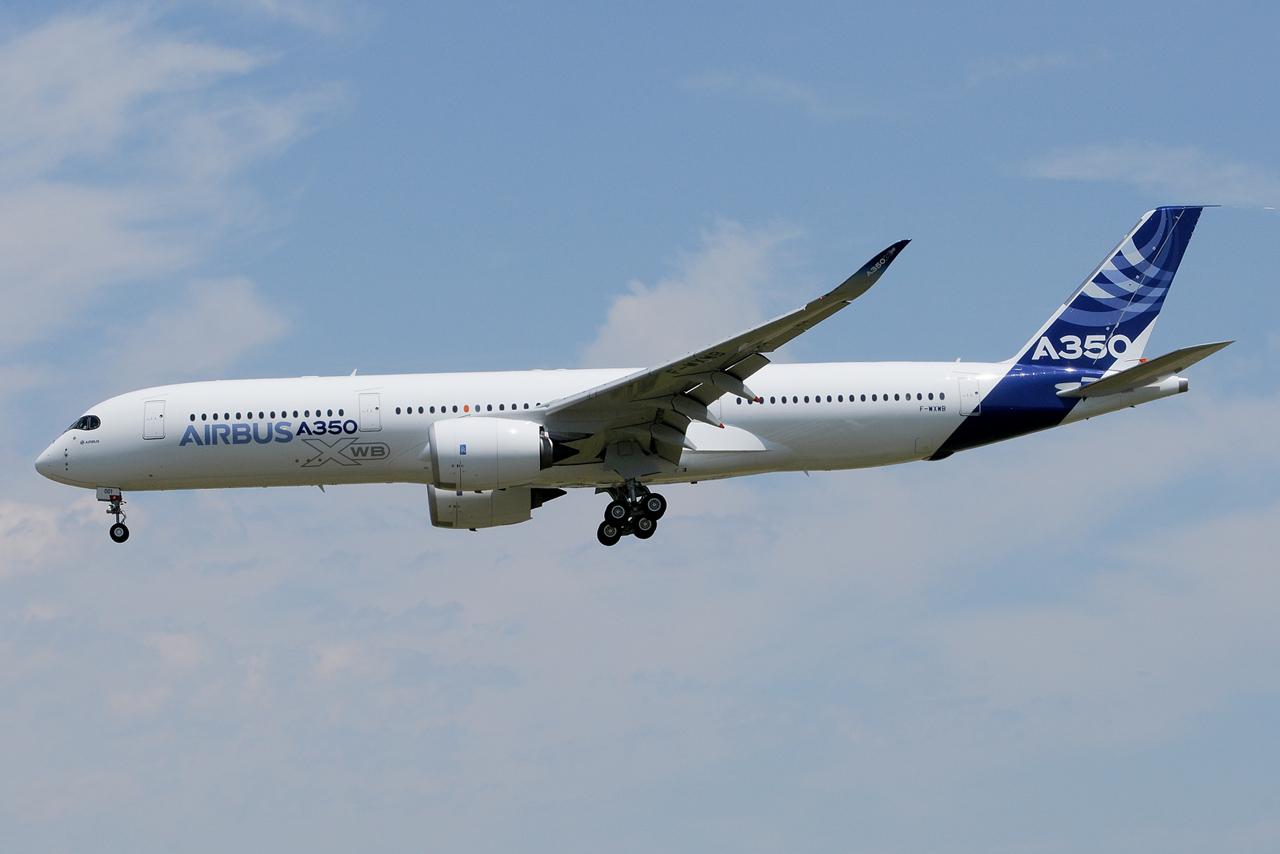 [14/06/2013] Aéroport Toulouse-Blagnac (LFBO): 1er Vol de l'Airbus A350 XWB !!! 961043DSC1246