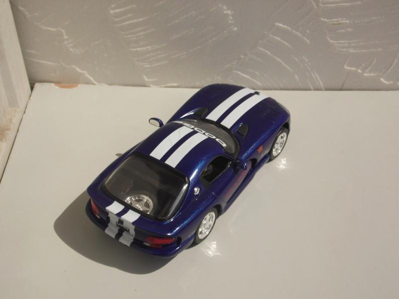 Dodge Viper RT10 et GTS. 962300SAM5027