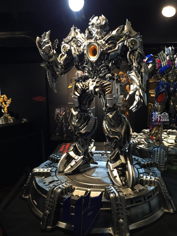 Statues des Films Transformers (articulé, non transformable) ― Par Prime1Studio, M3 Studio, Concept Zone, Super Fans Group, Soap Studio, Soldier Story Toys, etc - Page 3 969096P1STF4galvatronpreview0221429109252