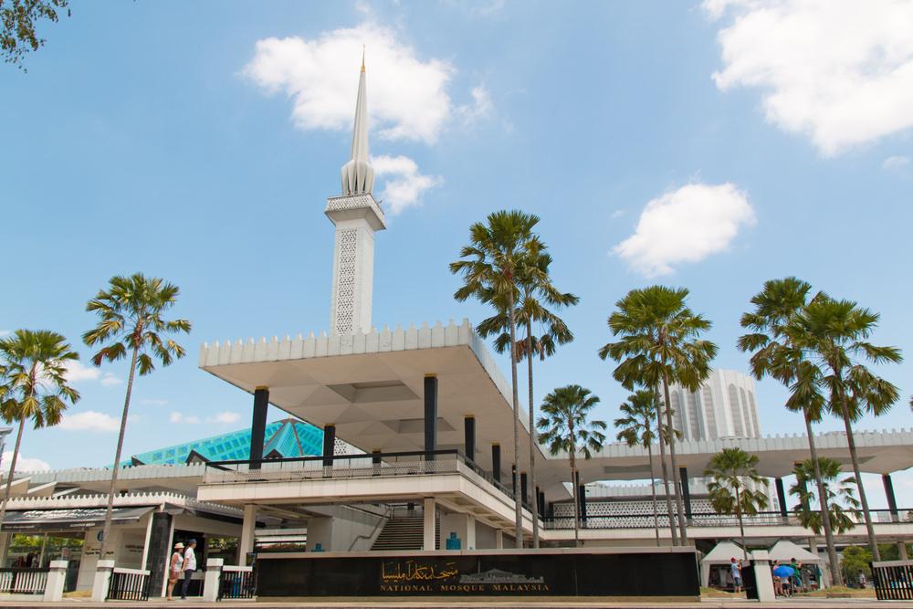 أشهر وأجمل المساجد في ماليزيا  9691801575160416051587158015831575160416081591160616101603160815751604157516041605157616081585